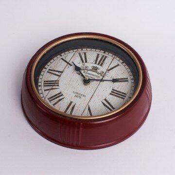 Часы настенные в бордовом корпусе